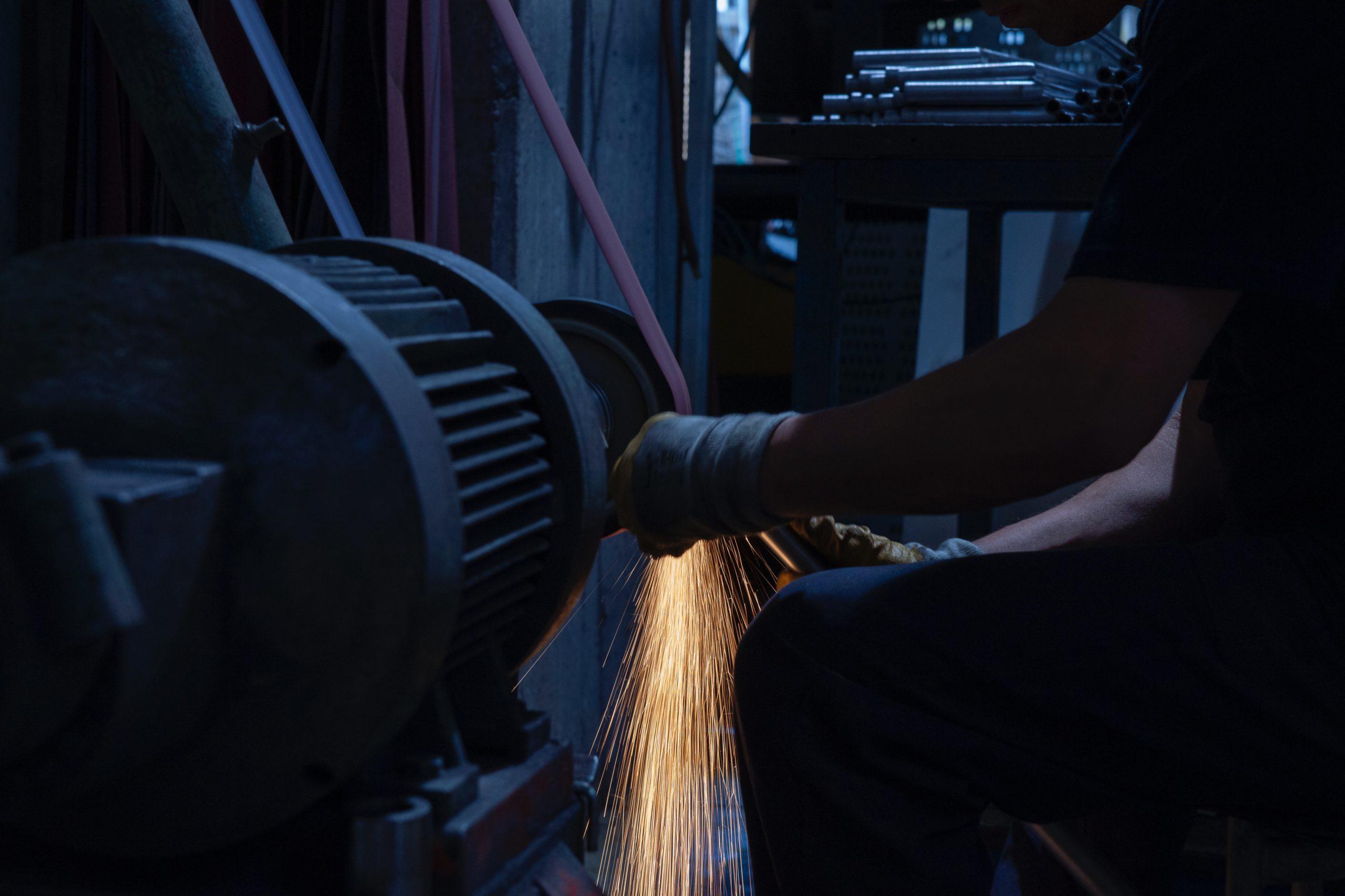 profesjonalne szlifowanie metali w przemyśle
